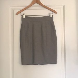 H&M Pencil Skirt Gray Size 6 EUC